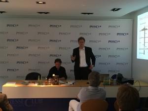 IT Experte Richard Werner beim TELI Jour fixe im Münchner PresseClub (c)TELI/Kral