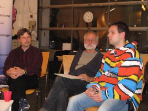 Peter Knoll (TELI Vorstand), Helmut Selinger,  ein Schüler (v.l.n.r.) (c) Goede